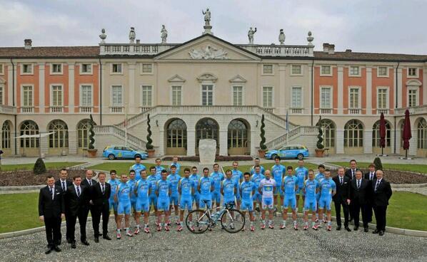 El equipo Astana, al completo