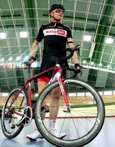 La ropa y la bici del ActiveJet polaco