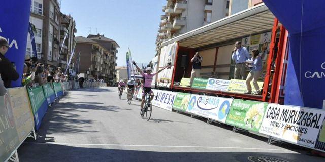 Israel Nuño completó su doblete del fin semana ganando en Colindres.