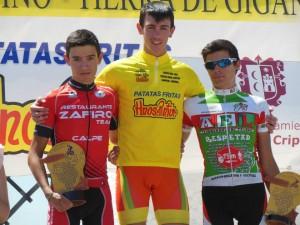 José Manuel Giner, flanqueado en el podio por Eugenio Sánchez y Tomeu Gelabert.
