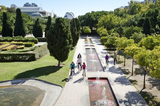 El jard n del turia tendr 14 kms de carril bici ciclo21 for Jardines de tabarca valencia