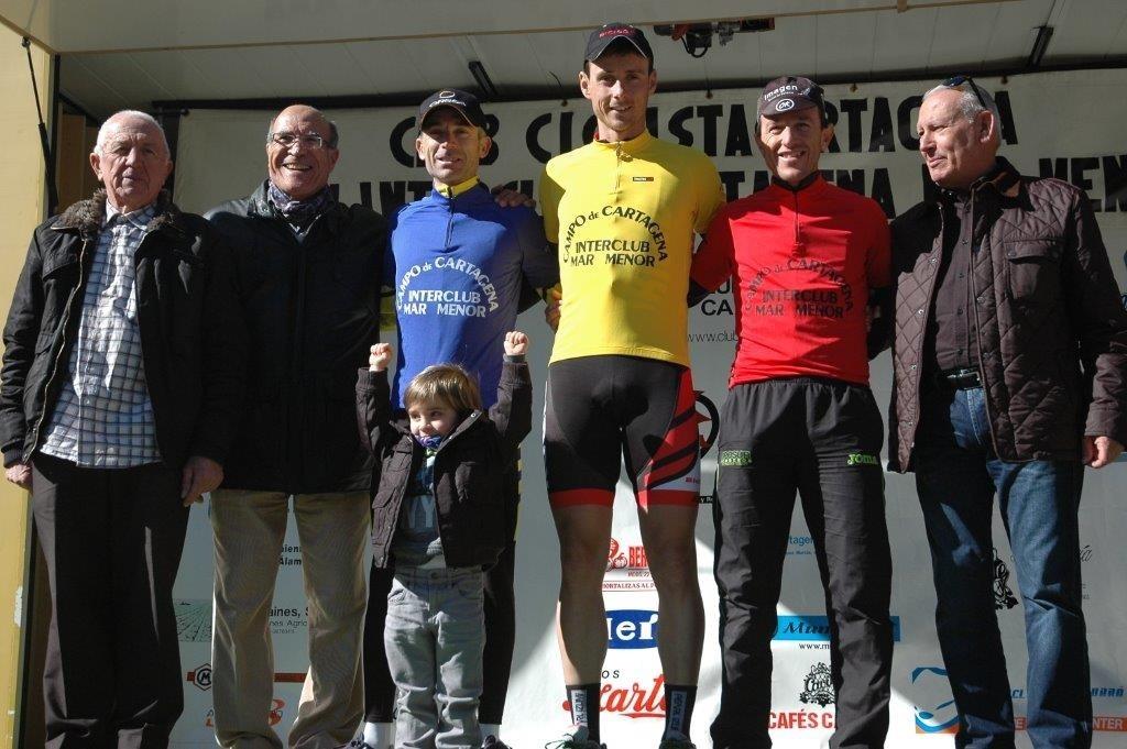 Los líderes, en el podio tras la etapa de Cartagena © FCRM