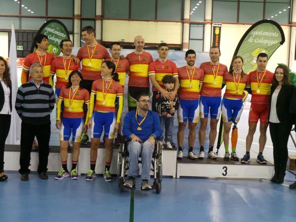 Podio de los campeones de España de ciclismo adaptado tras la 1ª jornada