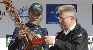 """Valverde, con el trofeo """"casteller"""" © Movistar"""