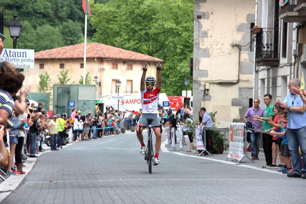 Aitor González, ganando en Ataun © FGC