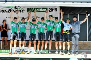 El equipo en el podio © Tour Beauce