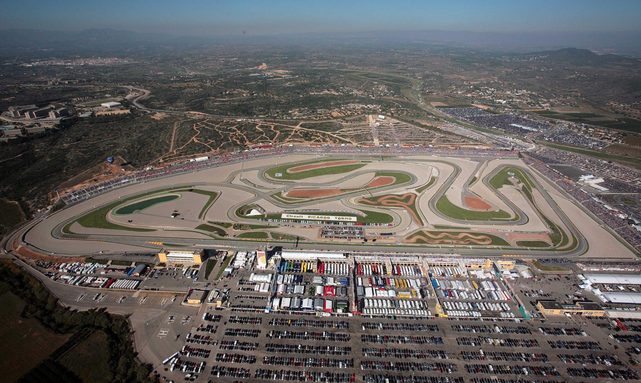 Circuito Ricardo Tormo : Las horas cyclo circuit y de agosto en el ricardo tormo