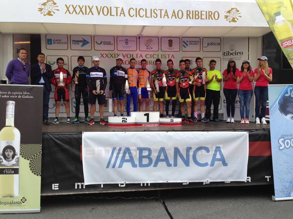 Podio final de la 39ª Volta Ciclista ao Ribeiro © pedaleoweb