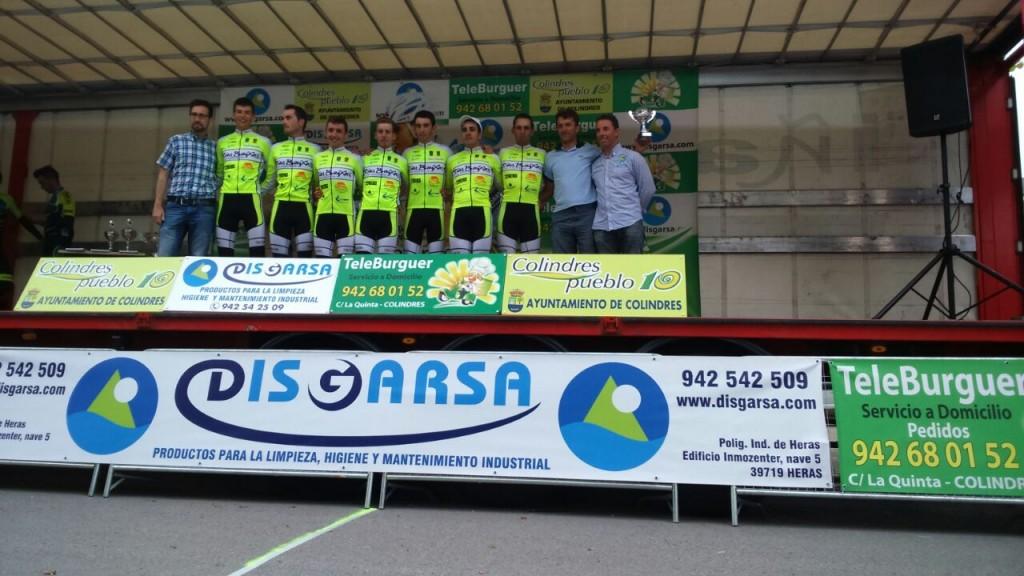 El CC Rías Baixas se llevó el premio por equipos al colocar a 3 de sus hombres en el top ten © CC Rías Baixas