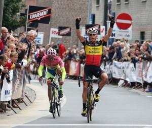 Van Hecke bate a Contador © sporza