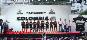 El equipo en la presentación de la Vuelta 15