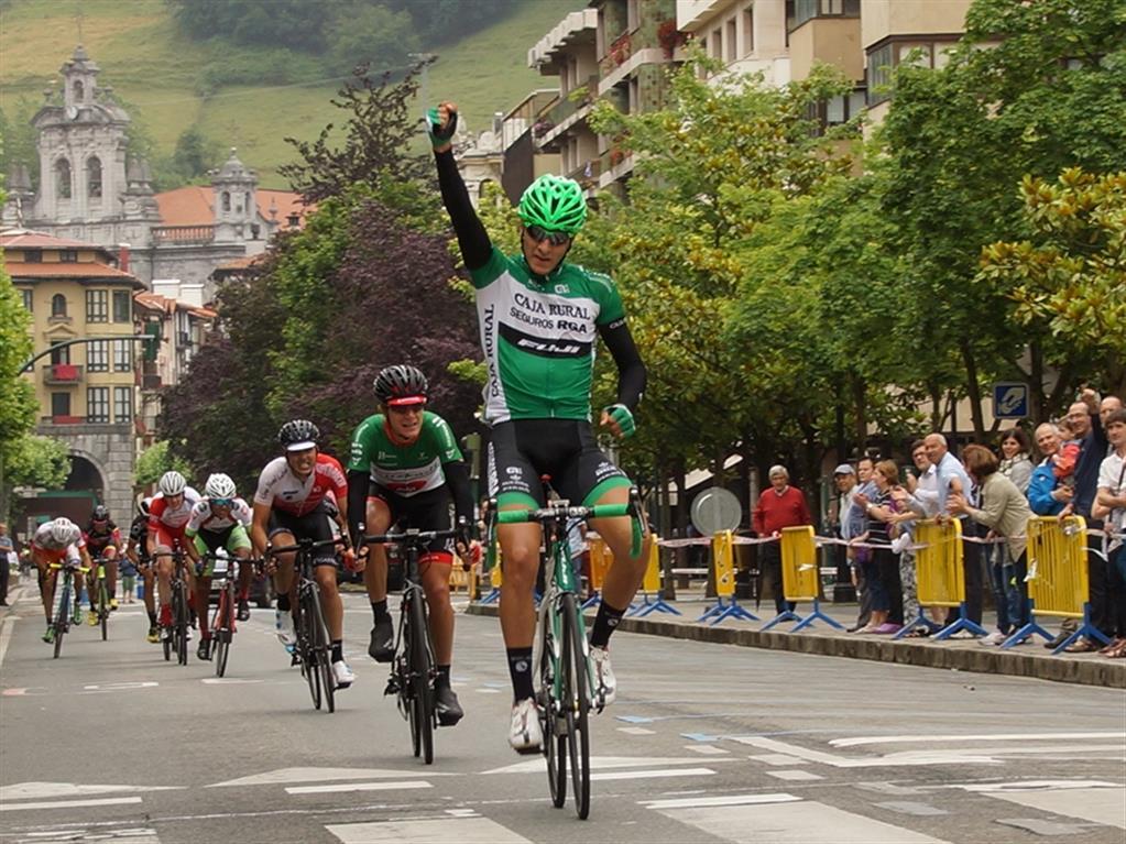Moreira, entra vencedor en la meta © FVC