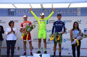 Samuel Sánchez, en el podio de la Volta Galicia © FGC