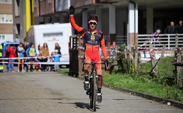 Alejandro Iglesias hizo doblete en el fin de semana de ciclocross asturiano © @Brevers86