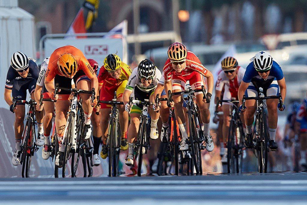El sprint con Gutiérrez al fondo