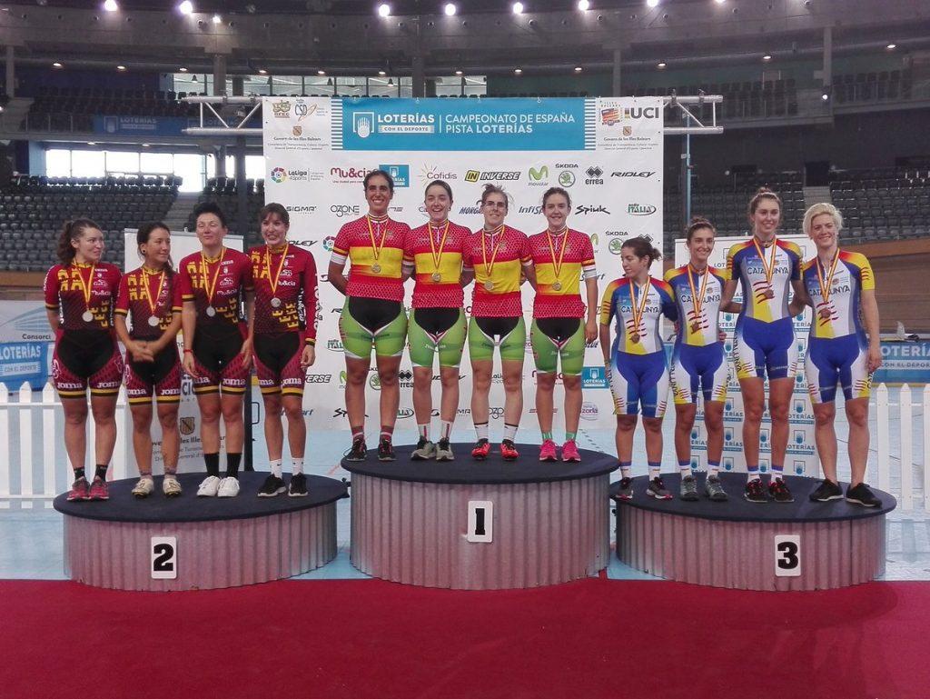Podio final persecución por equipos femenina © RFEC