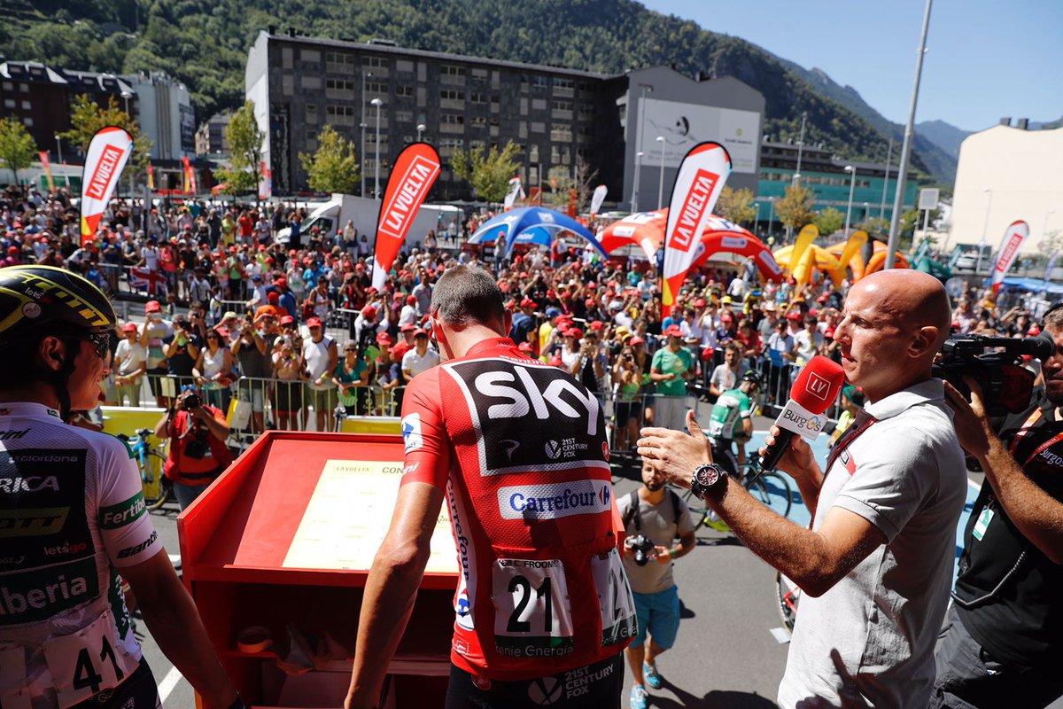 Froome_Chaves_Vuelta España_2017_04_firmas