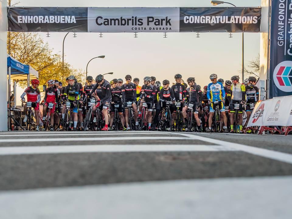 2000 Cicloturistas Toman La Salida En El Gran Fondo Cambrils Park