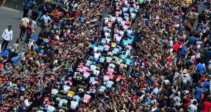 Giro Italia_2018_04_peloton_publico_recurso